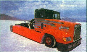 Тягач-монстр Freightliner